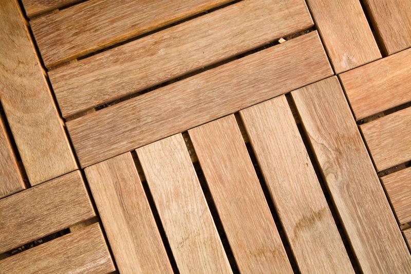 Outdoor wooden decking tile